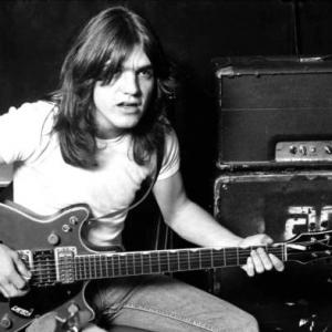 AC/DC: Malcolm Young fallece a los 64 años