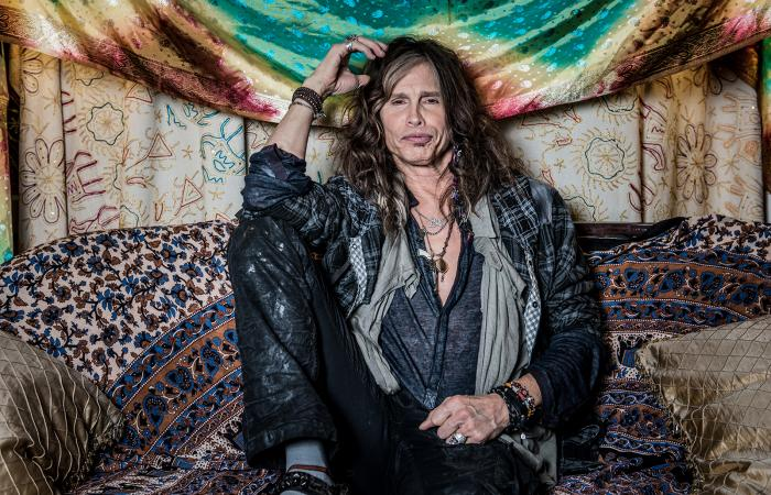 "Steven Tyler dio a conocer el video oficial de la canción ""Love Is Your Name"""